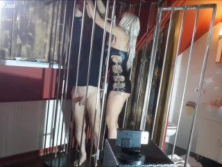 Daniela Cora Hansson-Domina Daniela bestraft, schlagt, fesselt und melkt einen Sklaven