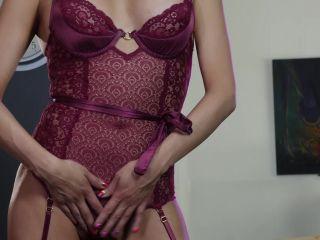 Online fetish - Jessica Fox / Dick'n in Purple Red