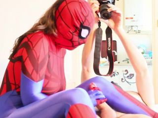 Superheroines Spidergirl Blow and Fuck