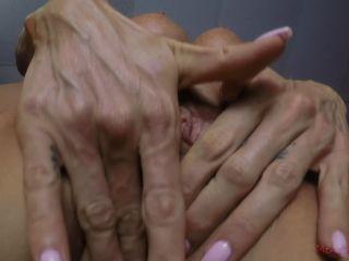 Porn online MeanBitches – Glenn King's POV – Courtney Taylor 5