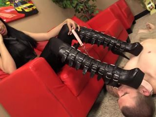 This boot bitch is luckier then all of you pathetic loser boot bitches ...