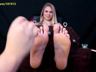 Chef Hannah's Ticklish Bet - 1st Time Tickle Torture!