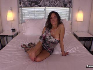 Online tube MomPov presents Kristy