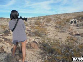 Eliza Ibarra - Shooting With Sexy Eliza Ibarra 08.02.19 .