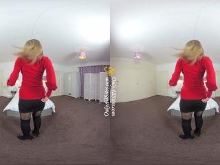 Lauren Louise 4 - virtual reality - reality