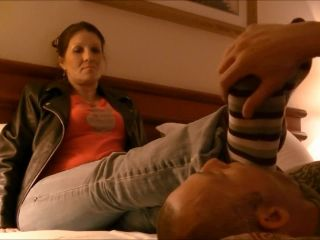 Porn Deb's foot slave