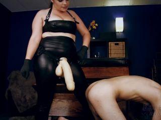 Miss Kelle Martina - Massive Strap-On, trash bag fetish on toys