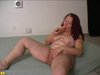 Fat Dutch mom enjoy the monster dildo in her deep cunt