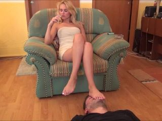 Cecilia - Footstool, Smoking And Ignoration - Part 2