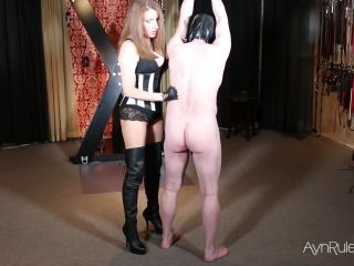 Atlanta Dungeon: Mistress Ayn - Ayns Scratching Post | scratching | fetish porn sneaker femdom