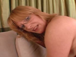 Mommy and Daughter Share Club, Scene 2
