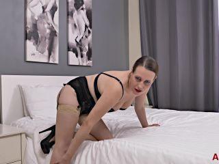 video 7    solo   solo female