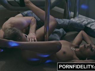 Pornfidelity ebony stripper anya ivy gives the girlfriend experience