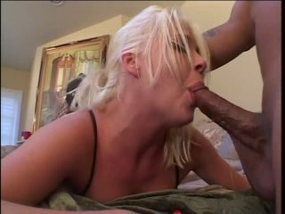 Thick blonde babe riding prick
