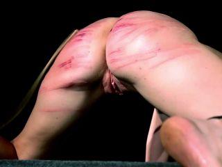 Spanking Dr Lomp 05