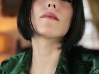 Liv Royale - Foot Worship in Seamed Stockings, emo femdom on fetish porn