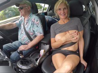 Dirtydoctorsvideos.com- Flashing in the Car