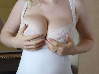 YesBoobs - Casey Deluxe shows off her big tits and tries on 5 sexy bra ...