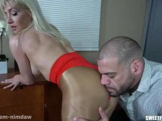 Sarah Diavola - Sarah Takes Over a Strip Club Part 1!!!