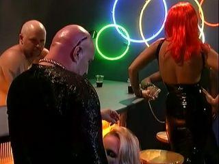 Online tube Freak Show, Scene 2