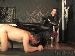 Leather Licking Loser - Super HD