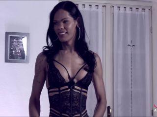 JolieAndFriends presents Priscilla Modella