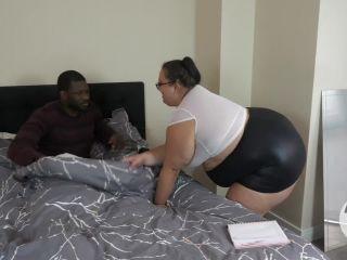 Sexy secretary gets creampied(porn)