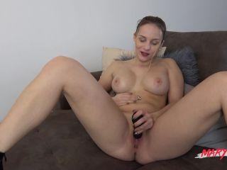 MyDirtyHobby - MaryWet - Die Toytesterin  on threesome brutal anal dildo