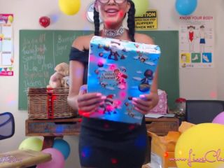 Livecleo birthday unboxing fan gifts uncencored squirting pantyhose