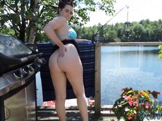 Heidi Wow – Public BJ Video