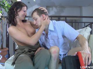 lovenylons_g654_clip