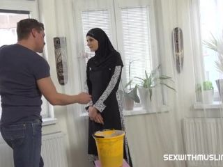 Sex With Muslims – Tiny Tina