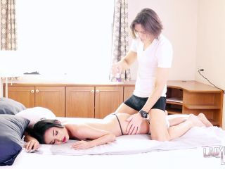 online clip 19 cumshot - shemale - sexy blowjob