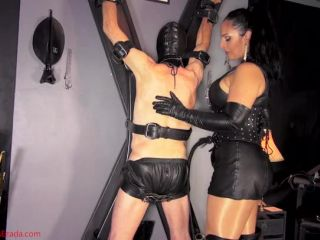 Mistress Ezada Sinn Kissed By The Russian Whip Slave