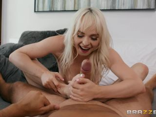 Porn online Naomi Nash - Horny Petite Blonde Newcomer Casting POV