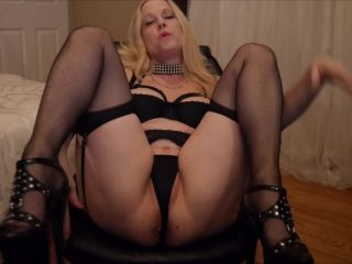 ManyVids Webcams Video presents Girl Gartersex in mommy sucks and fucks the cum out of you