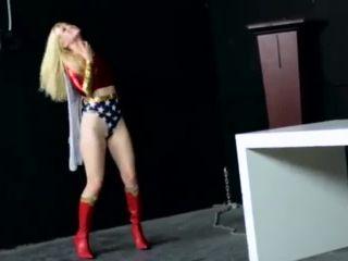 Wonder Girl Seduced