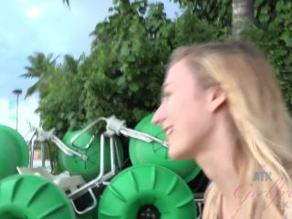 [Xhamster] Virtual vacation on Hawaii with amazing blonde Alexa Grace 4/7