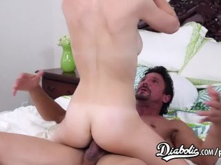 Teen raylin ann gets fucked by a hung stud