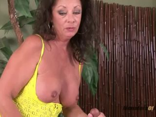 Milf massage and blowjob happy ending