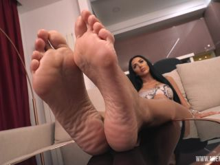 footfetish 6854