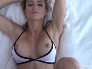 Hottest girlfriend ever wird von ihrem fnd vor der webcam gefickt