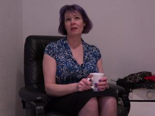 Tigger (EU) (51) - Big breasted mature Tigger sure knows how to please her wet pussy
