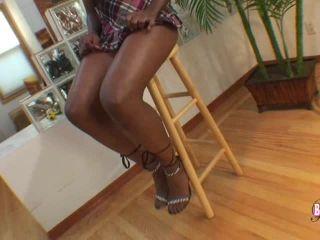 Online shemale video Nisha Is Back