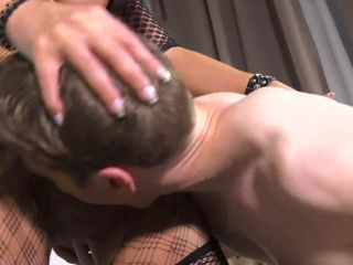 LOSER BETA MALE DOUBLE FUCKED FROM 2 HOT SHEMALES PORNOSTAR.