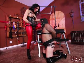 ClubDom - Raven Eve Strapon Pegging!!!