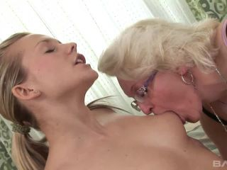 cougars-and-coeds-3-scene2.