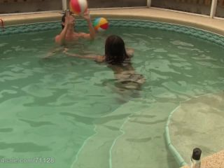 - Underwater Tickle With Wenona Ginary (325.47 Mb, Avc, )