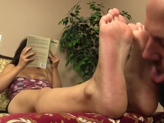 Foot humiliation – Nicole Silk relaxes with a book and ignores dante