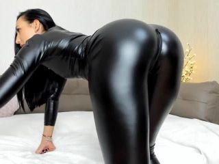 Melissa90sweet latex catsuit